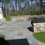 Mixed-Color Natural Cleft Bluestone Pattern Patio
