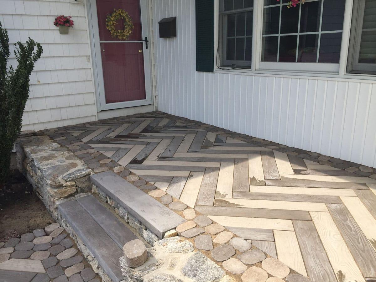 Interlocking Concrete Pavers & Retaining Walls in Connecticut