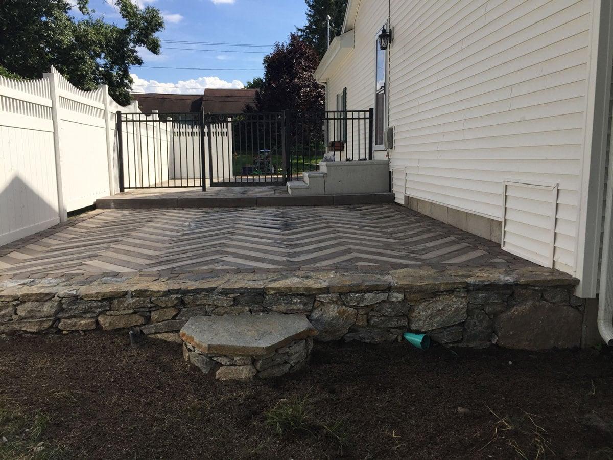 Interlocking Concrete Pavers Amp Retaining Walls In Connecticut