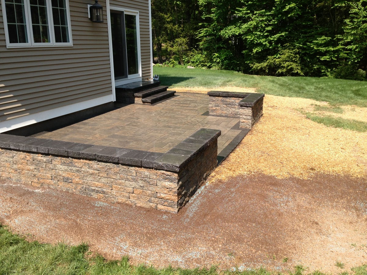 Interlocking Concrete Pavers Amp Retaining Walls In Connecticut